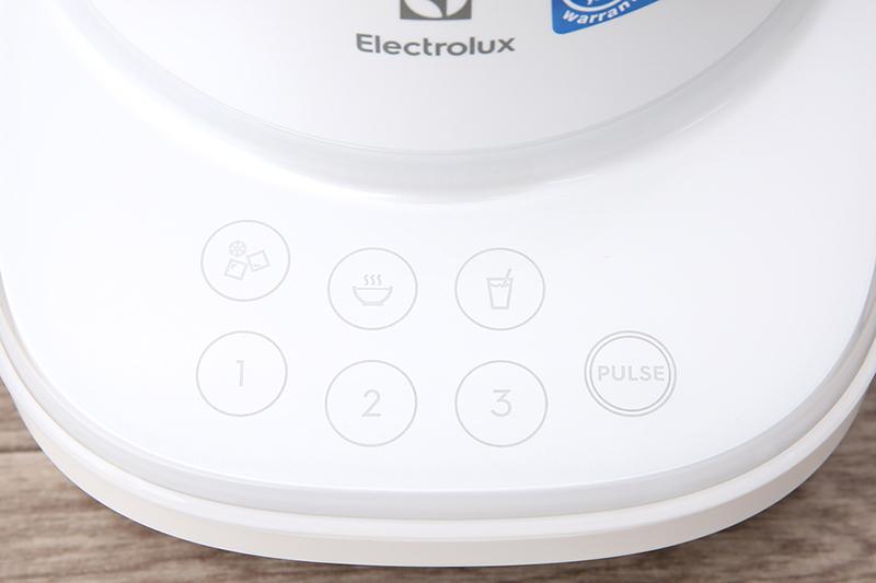 Bảng điều khiển dễ dùng - Máy xay sinh tố Electrolux E7TB1-50CW