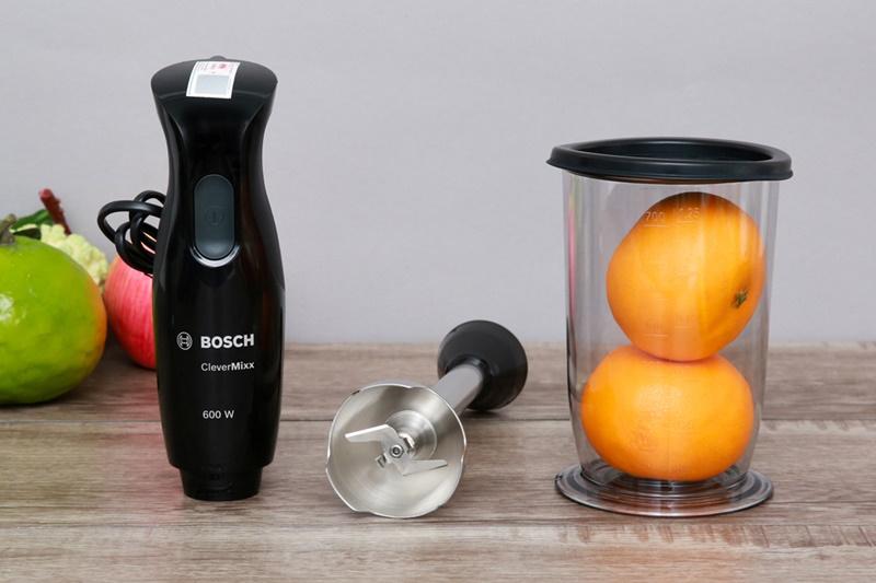 Cốc đựng thực phẩm trang bị nắp đậy bảo quản đồ uống, thức ăn sạch sẽ - Máy xay cầm tay Bosch HMH.MSM2650B 600W