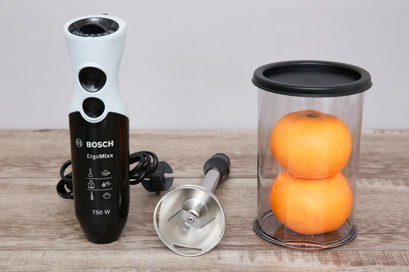 1 cốc đựng dung tích 0.7 lít, được làm bằng chất liệu nhựa cao cấp - Máy xay sinh tố cầm tay Bosch MSM67160