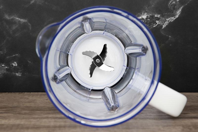 Lưỡi dao 2 cối là 3 lưỡi, 6 cánh sắc bén bằng thép không gỉ bền bỉ - Máy xay sinh tố Toshiba BL-70PR1NV