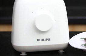 may-xay-sinh-to-Philips-HR2108-06