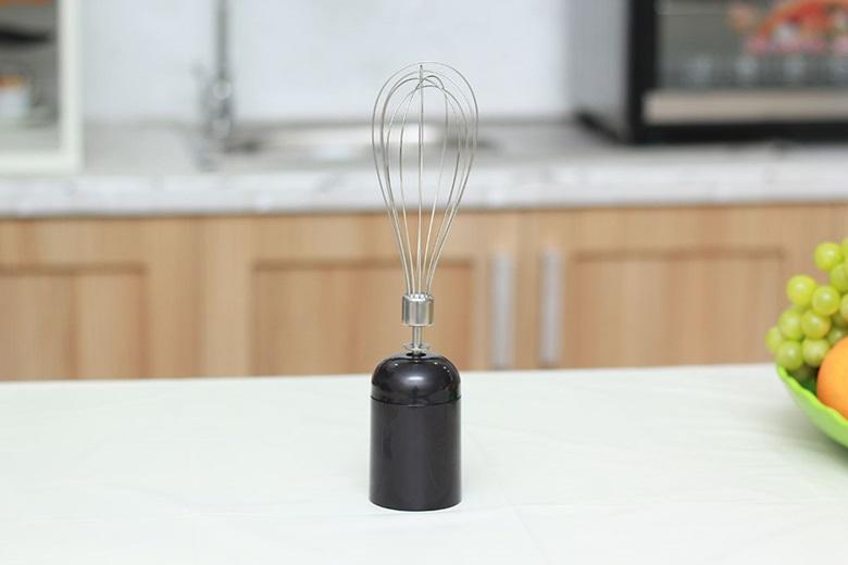 Dụng cụ đánh trứng giúp đánh trứng, đánh bột nhanh hơn