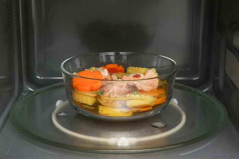 Nấu ăn ngon - Lò vi sóng Panasonic NN-ST65JBYUE 32 lít