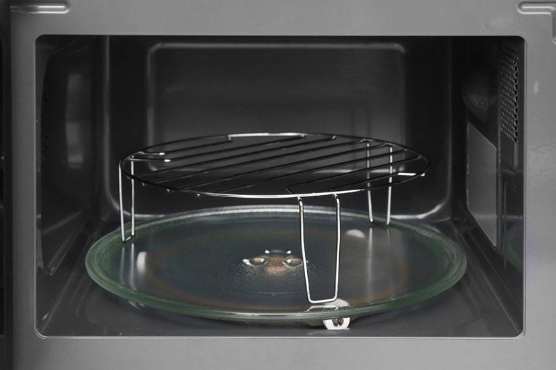 Tặng kèm lò có vòng xoay, đĩa xoay thủy tinh, vỉ nướng - Lò vi sóng Panasonic NN-GM24JBYUE 20 lít