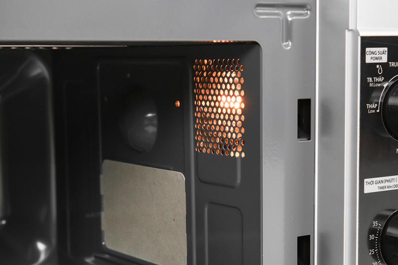 Khoang lò có đèn - Lò vi sóng Toshiba ER-SGM20(S1)VN 20 lít