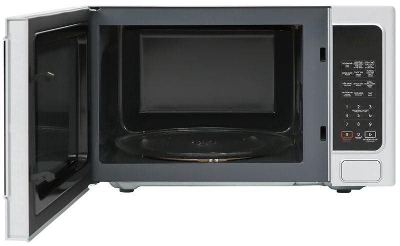 Khoang lò vi sóng bằng thép không gỉ, cửa lò bằng kính chịu nhiệt bóng sáng - Lò vi sóng Toshiba ER-SGS34(S1)VN 34 lít