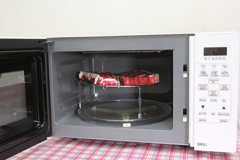 Chế biến các món nướng với lò vi sóng một cách tiện lợi