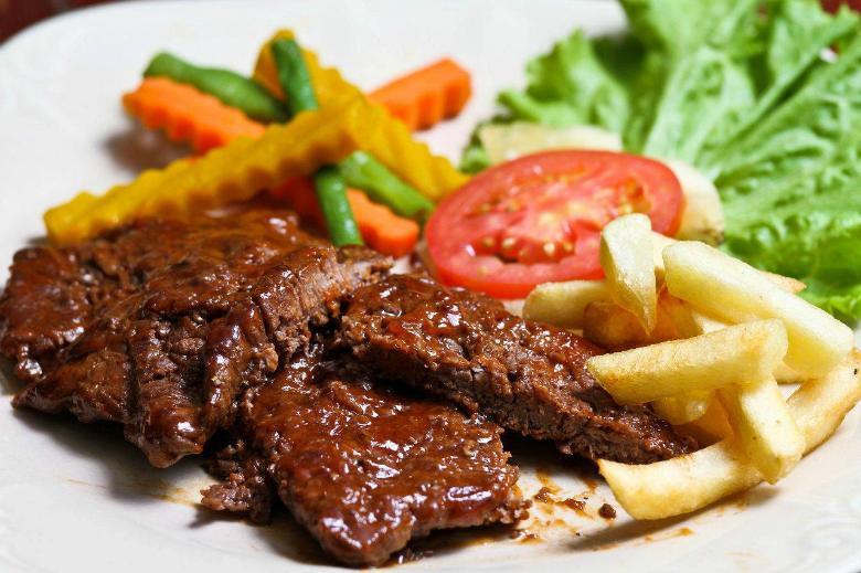 Chức năng nấu nướng kết hợp giúp món ăn chín đều và thơm ngon