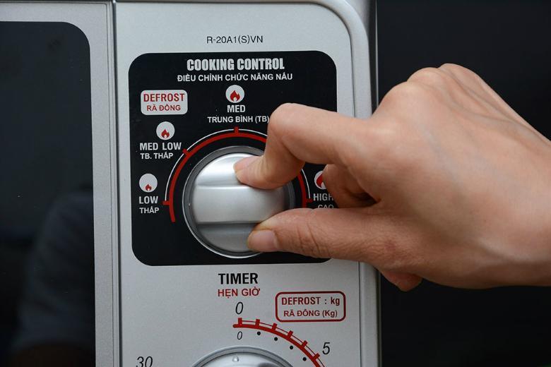 Nút xoay có tiếng Việt điều khiển và sử dụng dễ dàng
