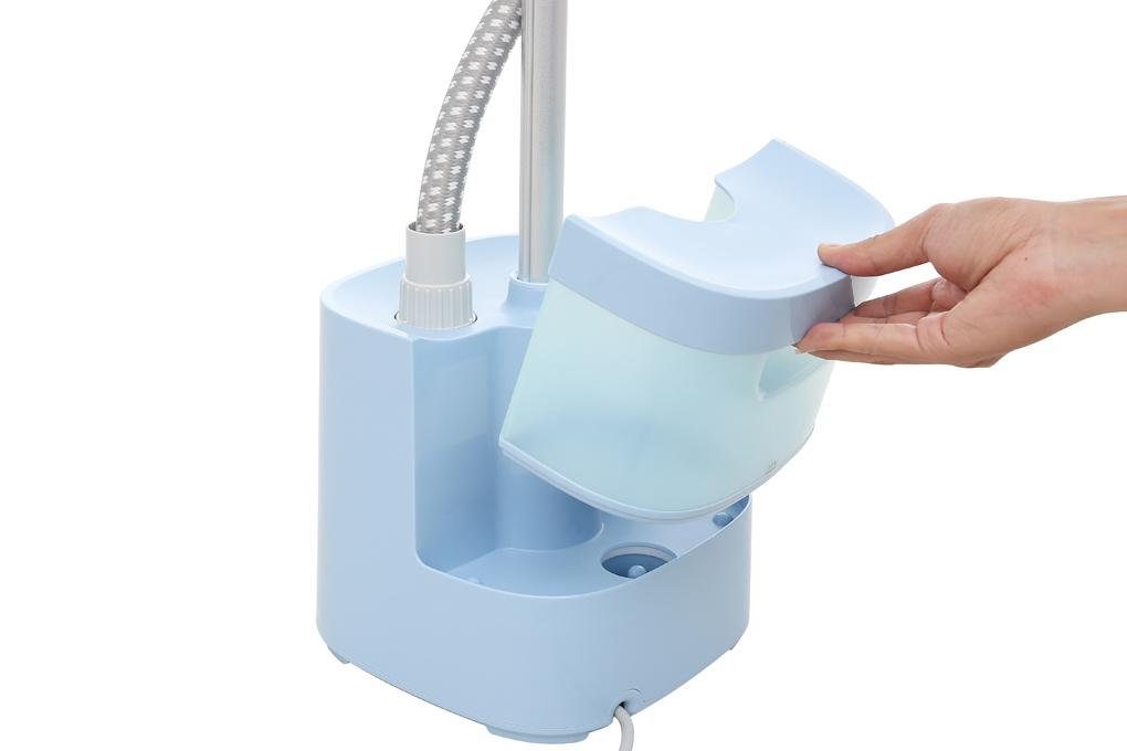 Bình chứa nước có dung tích 2 lít - Bàn là hơi nước Panasonic NI-GSE050ARA