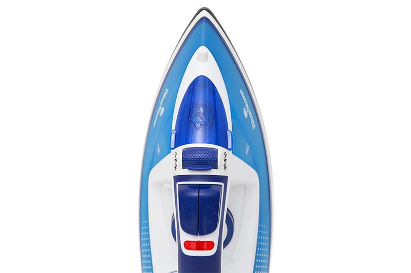 Bàn ủi hơi nước Bluestone SIB-3806 - đa dạng chức năng ủi