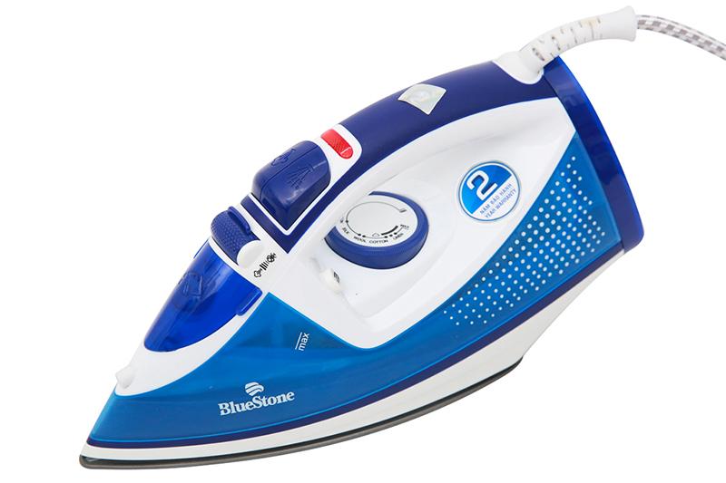 Bàn ủi hơi nước Bluestone SIB-3806 - thiết kế nhỏ gọn
