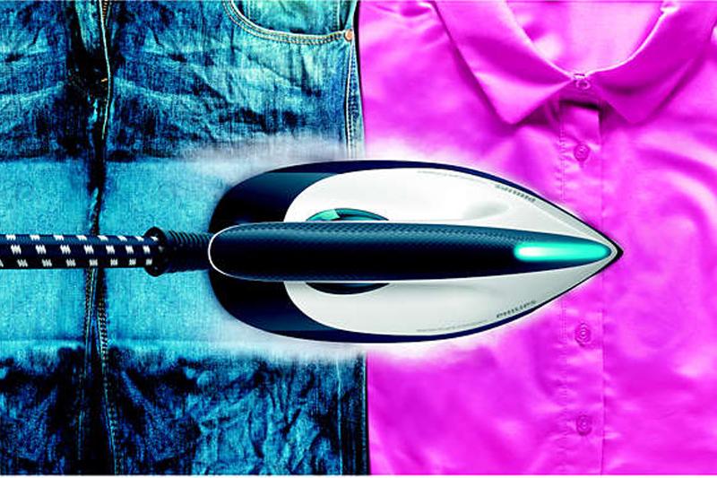 Ủi tốt mọi nếp nhăn - Bàn ủi hơi nước Philips GC7805