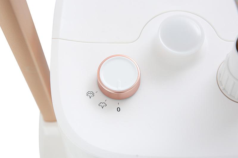 Dễ dùng - Bàn ủi hơi nước Panasonic NI-GWE080WRA