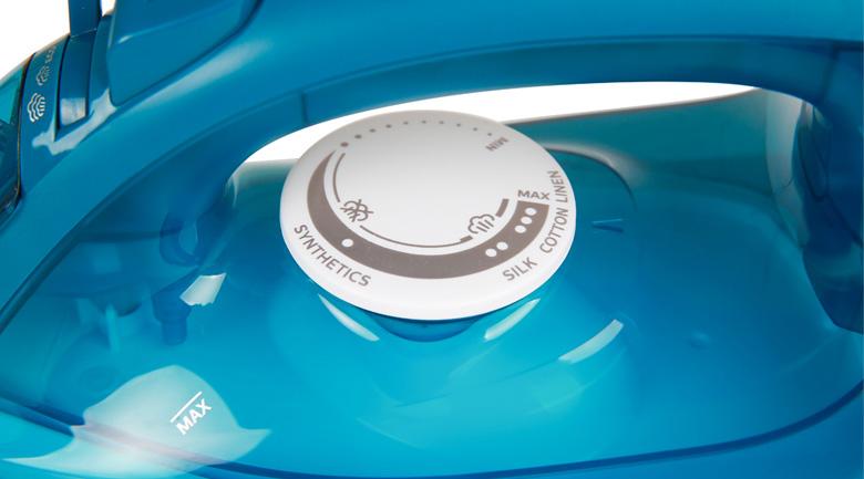 Dễ dùng - Bàn ủi hơi nước Philips GC1756