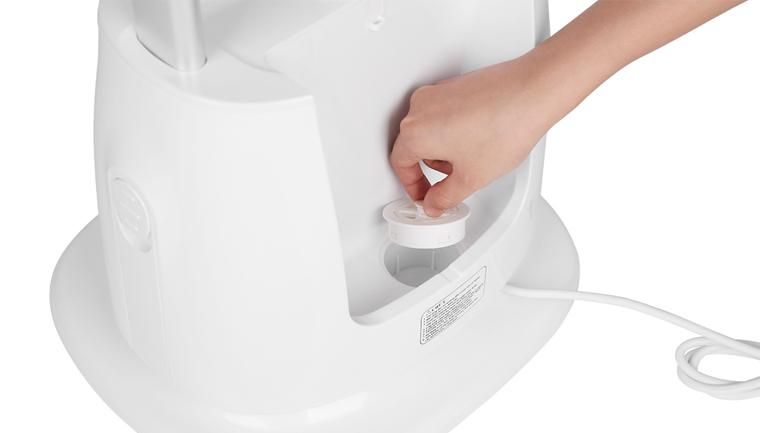 Chức năng xả cặn chống kết tủa dễ vệ sinh - Bàn ủi hơi nước đứng Kangaroo KG-75B8