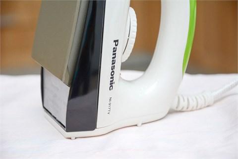 Bàn ủi Panasonic NI-317T
