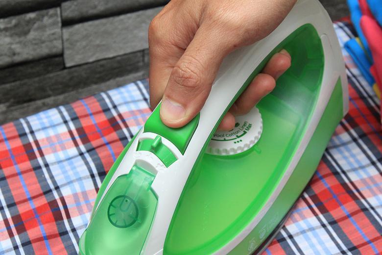 Dễ dàng sử dụng chức năng phun tia với nút bấm