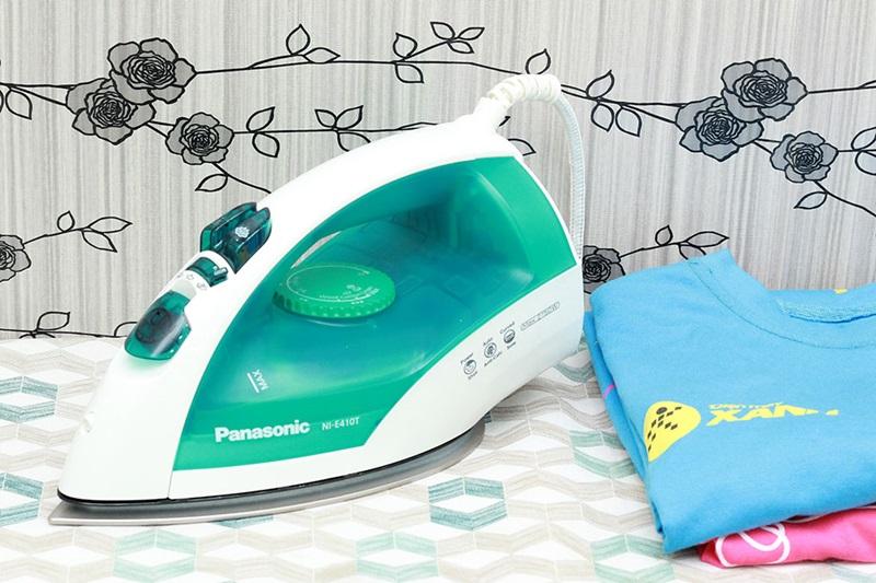 Bàn ủi hơi nước Panasonic PABU-NI-E410TMRA