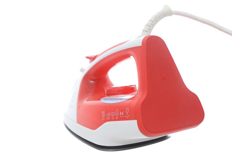 Bàn ủi hơi nước Electrolux ESI5116