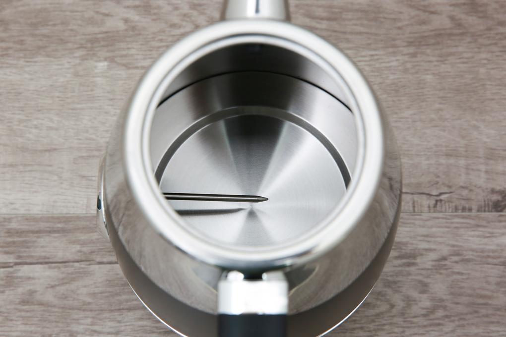 Công suất 2150 W, ấm truyền nhiệt nhanh giúp đun nước sôi mau - Ấm đun siêu tốc Delites 1.7 lít ST17S05