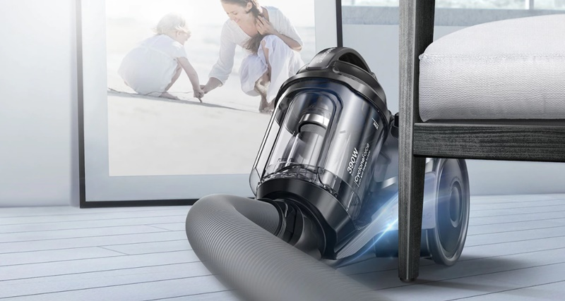 Máy hút bụi trang bị miếng đệm bên góc máy giúp bảo vệ đồ nội thất và máy - Máy hút bụi Samsung VC15K4130VL/SV-N 1500W