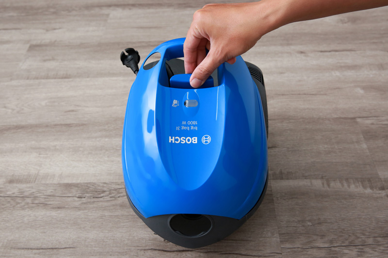 Hút lọc nhanh, hiệu quả - Máy hút bụi Bosch HMH.BSM1805RU 1800W