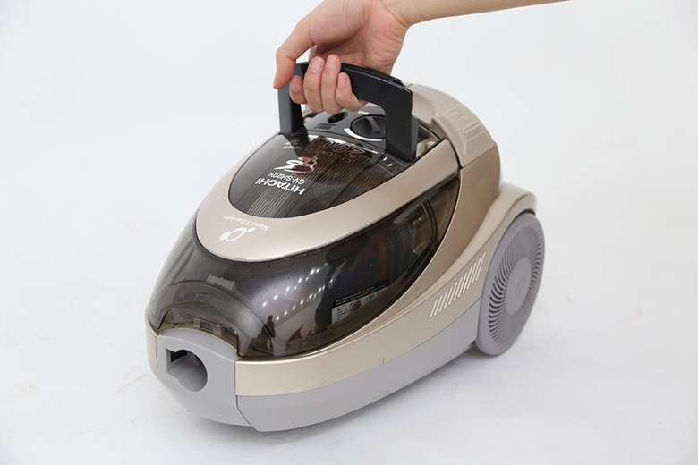 Thiết kế máy hút bụi có quai xách giúp di chuyển máy dễ dàng