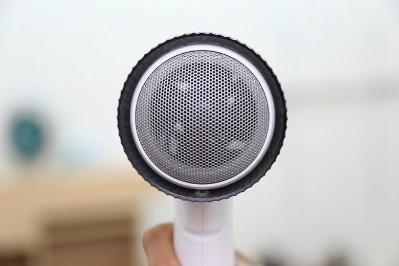 Bộ lọc chống ồn giúp máy luôn duy trì độ ồn ở mức vừa phải