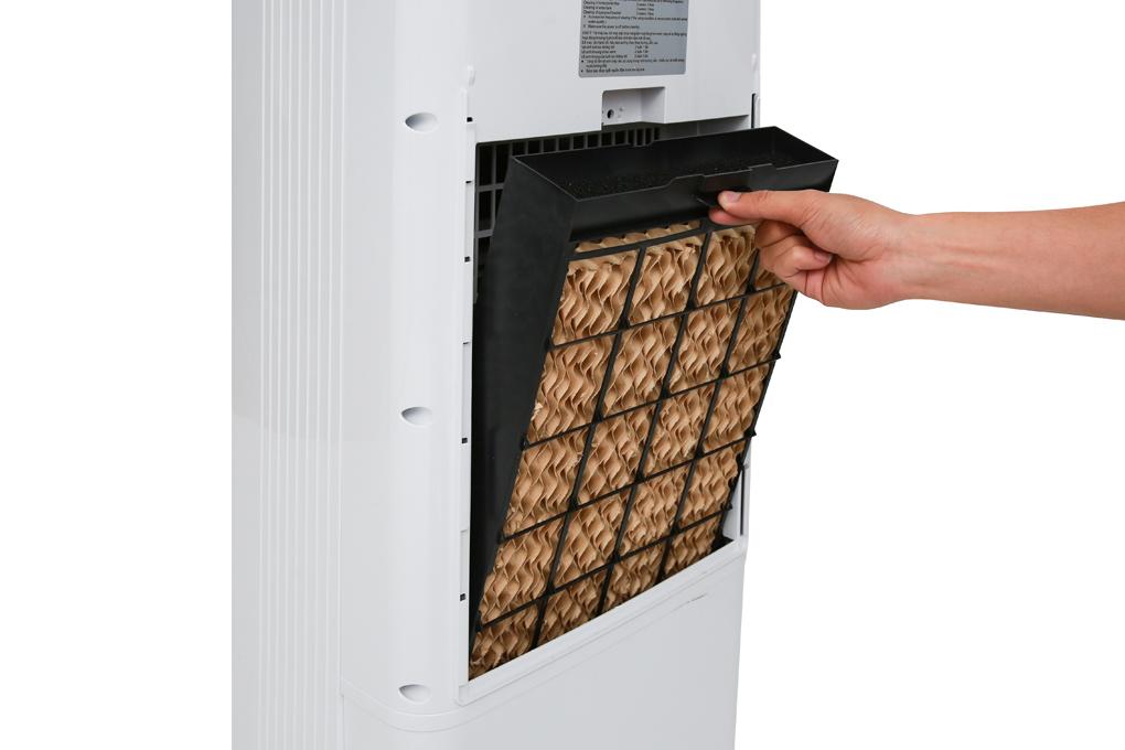 Trang bị 2 tấm lưới lọc, 1 tấm lưới lọc thô bên ngoài và 1 tấm làm mát bên trong - Quạt điều hòa Kangaroo KG50F19