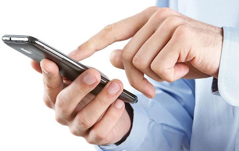 Máy lạnh đời mới tích hợp wifi, có thể điều chỉnh bằng Smartphone hiện đại