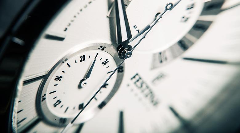 Máy cho phép hẹn giờ bật tắt lên đến 24 tiếng