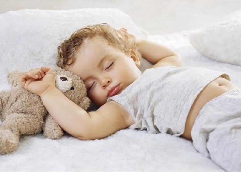 Chế độ hoạt động êm ái mang đến không gian yên tĩnh cho bé ngủ ngon