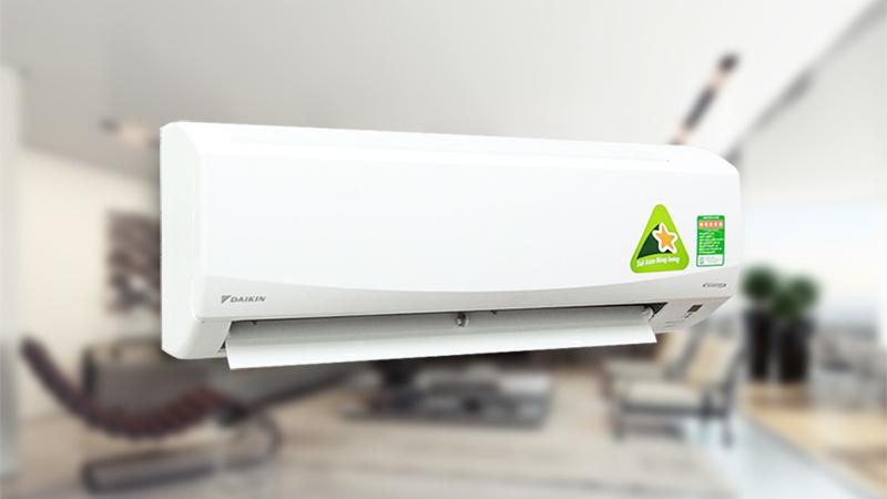 Thuộc loại điều hòa Inverter tiết kiệm điện, điều hòa Daikin 1 HP FTKC25QVMV sử dụng loại gas R-32