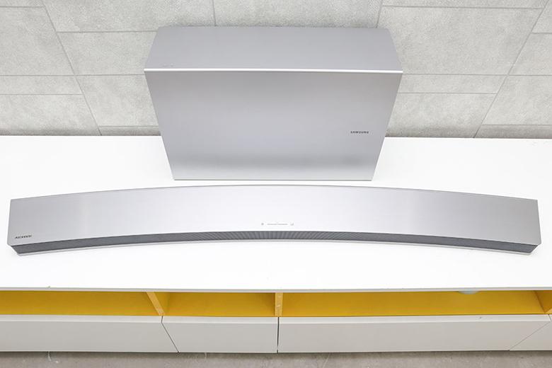Loa Soundbar 8.1 Samsung HW-J7501/XV - Thiết kế cong ấn tượng