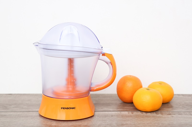 Kích cỡ nhỏ gọn, màu cam bắt mắt - Máy vắt cam Pensonic PJ-101 40W