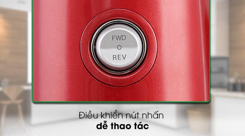 Máy ép chậm Kuvings E7000 - Sử dụng nút nhấn dễ thao tác