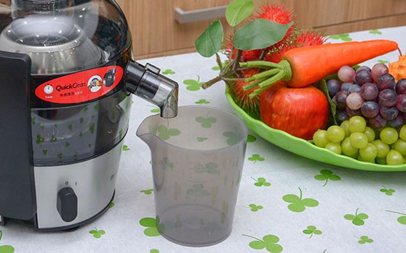 Cốc đựng nước bằng nhựa tốt - Máy ép trái cây Philips HR1836
