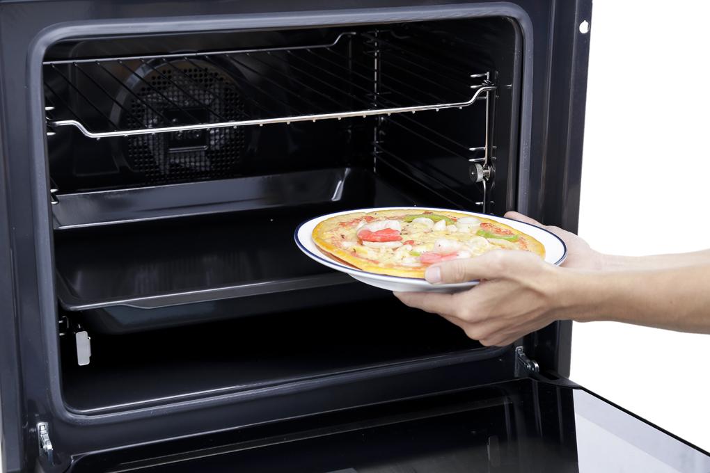 Lò nướng âm Teka HSB 635 70 lít - Chức năng tự làm sạch Hydroclean cho việc vệ sinh lò nướng đơn giản, tiện lợi hơn