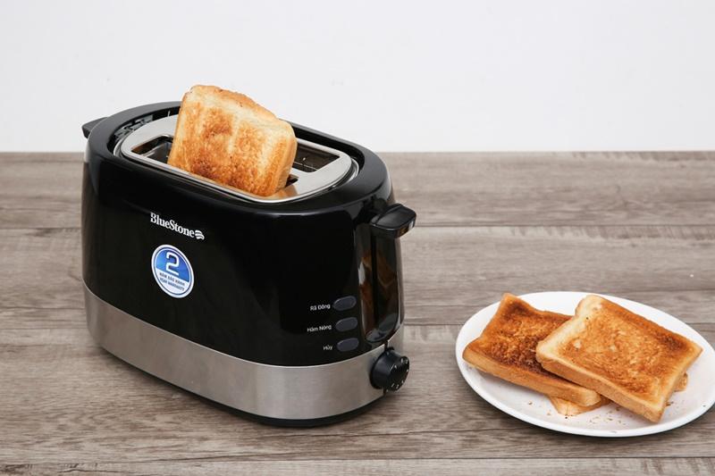 Thiết kế hiện đại, sang trọng với vỏ bằng nhựa PP cao cấp - Máy nướng bánh mì Bluestone TTB-2533