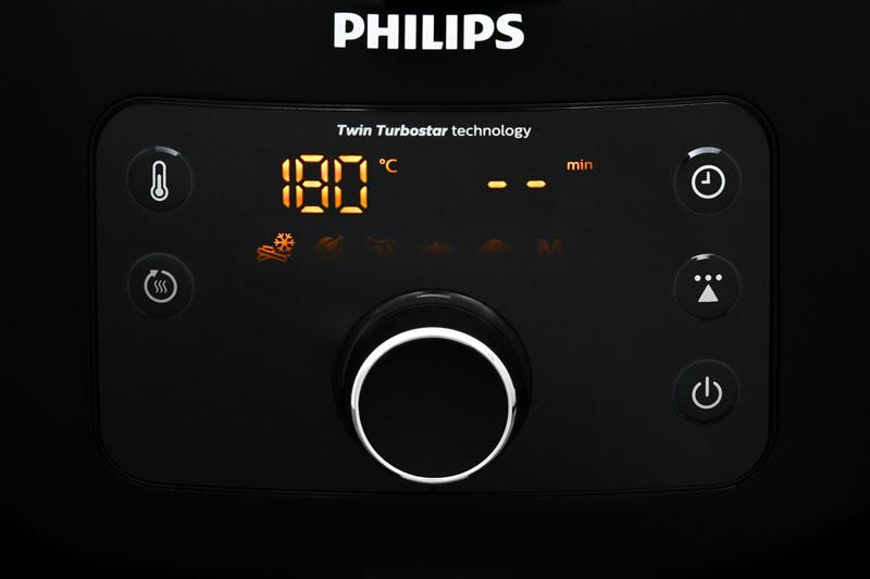 Điều khiển nút nhấn điện tử, núm vặn, màn hình hiển thị rõ nét dễ thao tác - Nồi chiên không dầu Philips HD9650