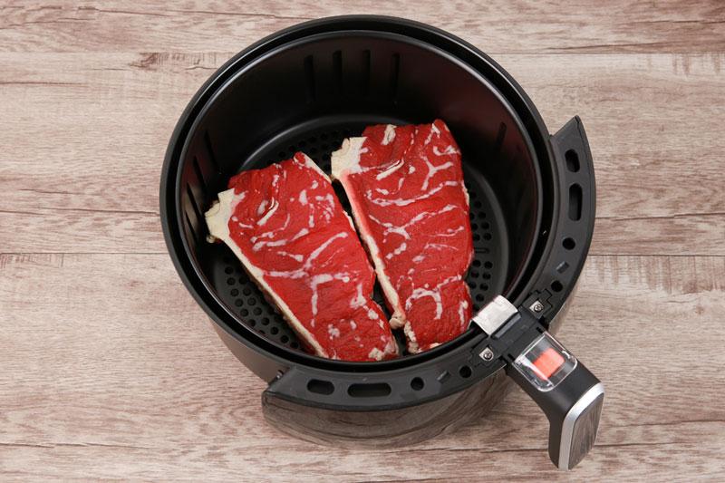 Sử dụng chiên, nướng thực phẩm không cần dùng dầu - Nồi chiên không dầu Kangaroo KG52AF1A 5 lít