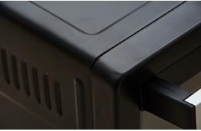 Vỏ ngoài hợp kim phủ lớp sơn tĩnh điện đen bóng, dễ lau chùi giữ độ mới cho sản phẩm