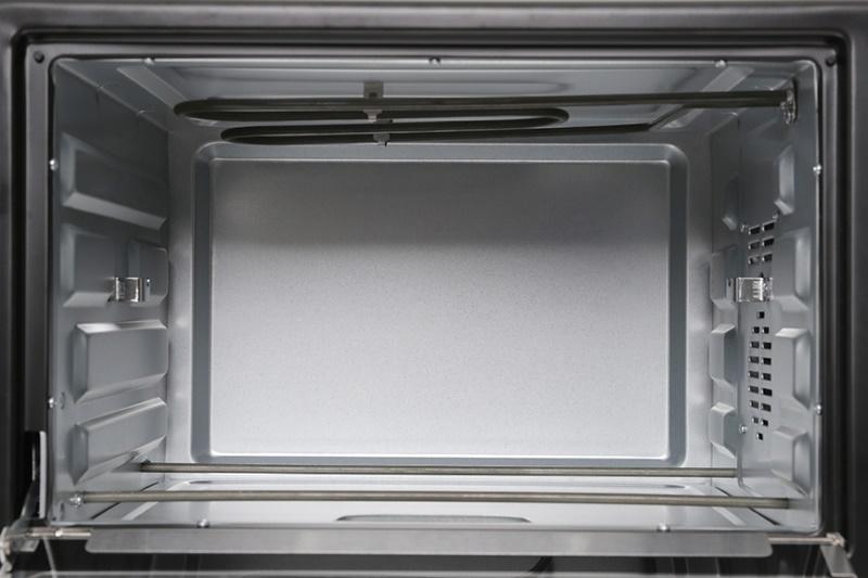 Lò nướng Electrolux EOT38MBB 38 lít