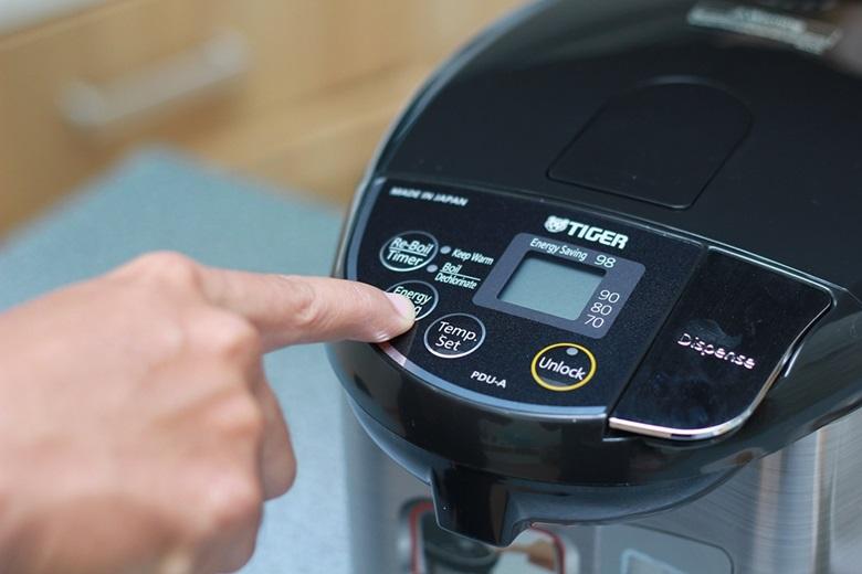 """Nhấn nút, giữ nút """"Energy Saving"""" trong giây để kích hoạt chế độ tiết kiệm điện"""