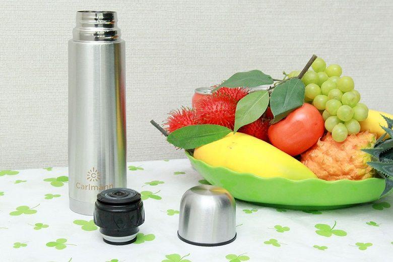 Thiết kế nắp bình có thể dùng làm cốc uống nước tiện dụng