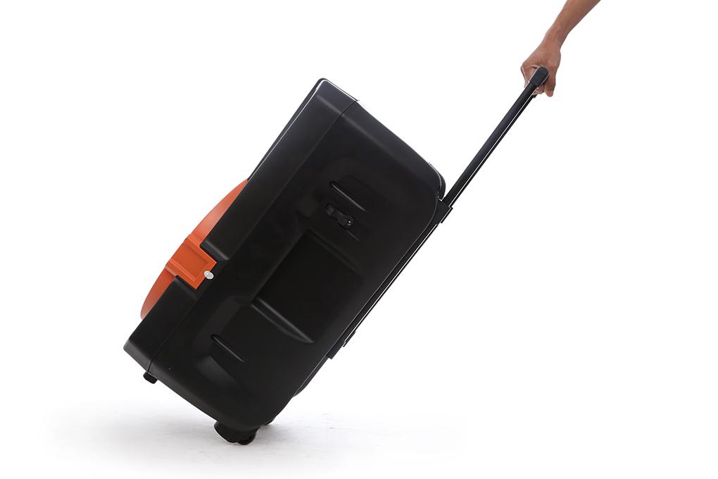 Bánh xe cho phép bạn di chuyển loa nhẹ nhàng hơn - Loa kéo karaoke Acnos KB39U 300W