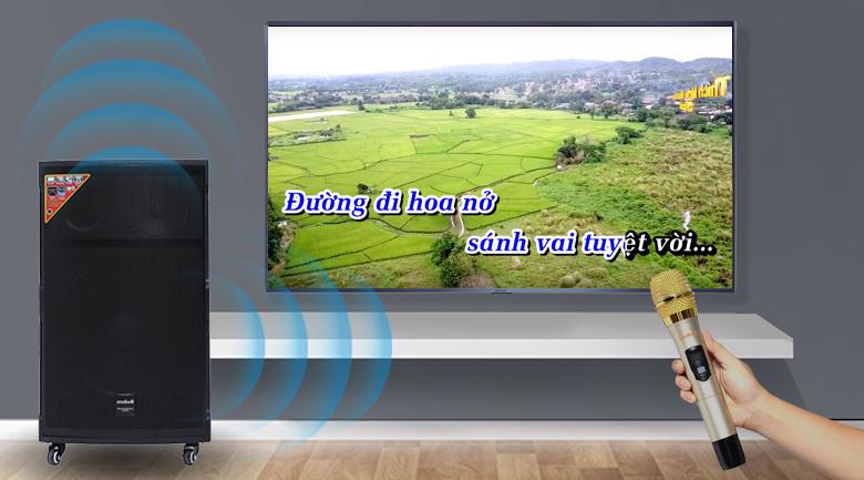 Hát Karaoke trên Loa kéo Karaoke Mobell K1501