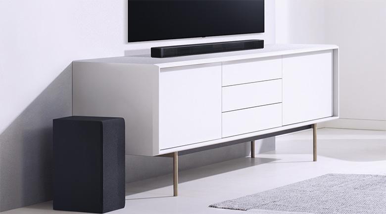 Thiết kế thon gọn, kiểu dáng hiện đại - Loa thanh soundbar LG 2.1 SL4 300W