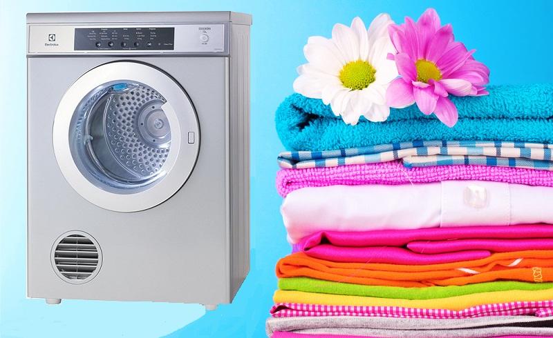 Tính năng sấy hơi nước hiện đại, giảm thiếu nếp nhăn quần áo